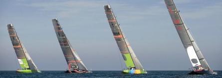 Las embarcaciones clase Copa America del Desafío Español, Alinghi, Team Origin y Luna Rossa (izqda-dcha). / EFE