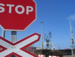 La actividad en el puerto de Sagunto está casi paralizada. Foto: P.C.