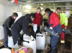 Los científicos han recogido muestras de seres vivos para medir los efectos del calentamiento global- ALICIA RIVERA