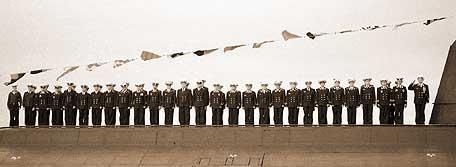 La tripulación del Kursk, en una foto tomada en una parada en Severomorsk, en julio de 2000.