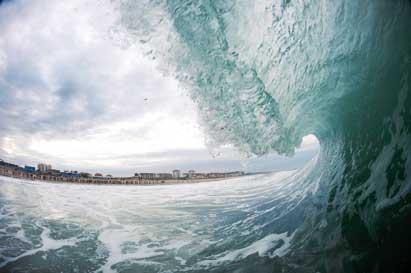 Timo Jarvinen/QuiksilverLos limpios tubos –como los llaman en el argot surfero– que forman las olas en la playa de La Gravière, en las Landas francesas, hacen de ella uno de los spots -–lugares de práctica– más conocidos