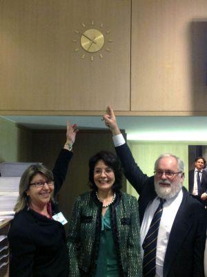 Miguel Arias Cañete, ministro de Agricultura, junto a la comisaria de Pesca, Maria Damanaki. / EFE.