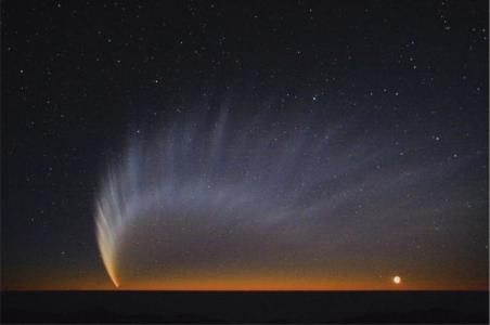 El cometa McNaught captado por el Observatorio Europeo Austral, en Chile, el 1 de enero de 2007.  observatorio europeo austral (eso)