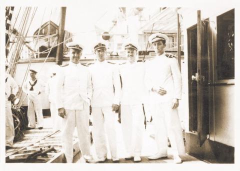 I Crucero Oficiales