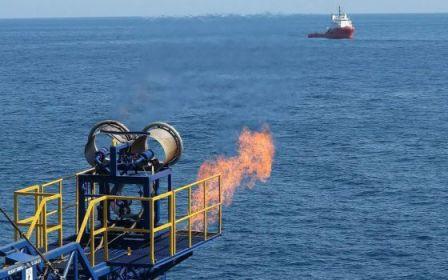 Barco de perforación que extrae gas metano del lecho marino de Japón. / JOGMEC/HANDOUT (EFE).