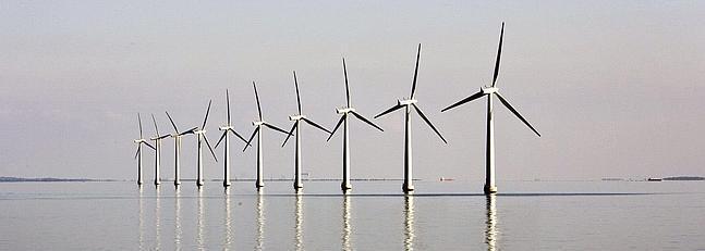 Un parque eólico situado en alta mar. / Archivo