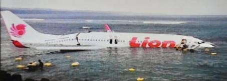 Imagen del avión siniestrado. / Afp