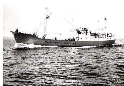 """Pruebas de mar del pesquero """"Montrove"""" (10/10/1964). desde http://fenecom.blogspot.com.es"""