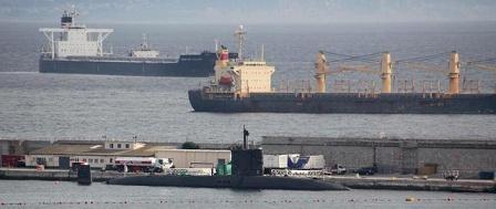 El submarino británico 'Talent' en el puerto de Gibraltar este jueves.