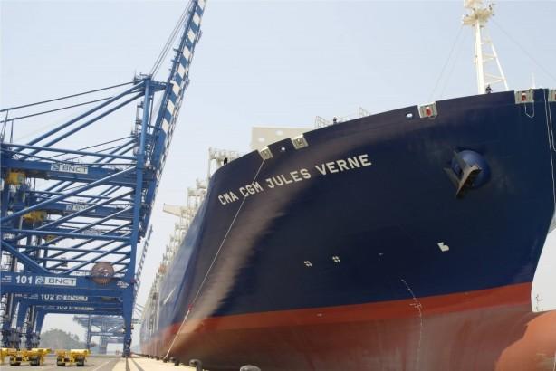 M/V Jules Verne. Desde http://sea-jobs.net