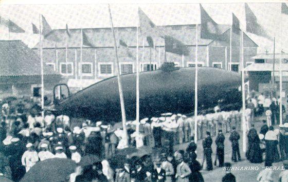 El submarino, el día de su botadura, el 8 de septiembre de 1888. / MUSEO NAVAL