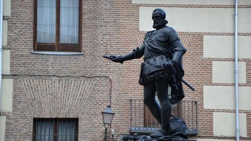 ABC Estatua de Don Álvaro de Bazán, en la Plaza de la Villa, en Madrid