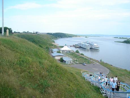 Pantalán de atraque en el Volga. Desde http://www.absolutrusia.com