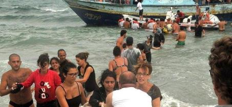 Bañistas al rescate en Siracusa. / Twitter
