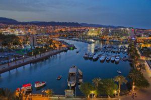 Eilat es una mecla de Las Vegas y una isla del Mediterráneo. / Dafna Ta