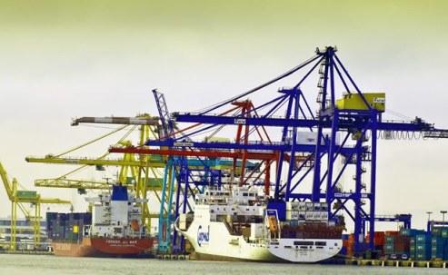 Gruas del puerto de Valencia.