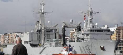 El buque de aprovisionamiento de combate (BAC) Cantabria. (EFE)