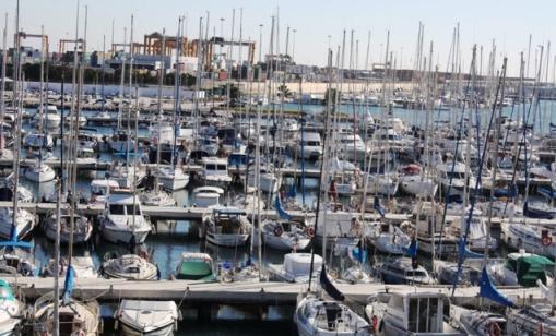 El pantalán principal de embarcaciones del Real Club Náutico de Valencia.   RCNV