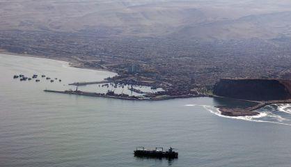 Panorámica del puerto fronterizo de Arica (Chile), el 24 de enero. / F. TRUEBA (EFE)