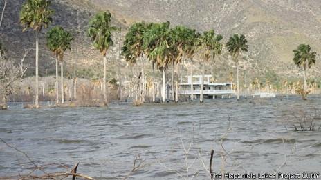 La comunidad de Boca de Cachón es la más amenazada por el lago.