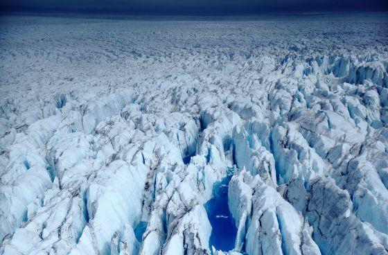 Un glaciar en la Antártida, fotografiado desde un helicóptero a 30 metros de altura. / Xichen Li