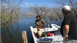 El lago ha dejado sin trabajo a muchos vecinos de Independencia y Barohuoco.