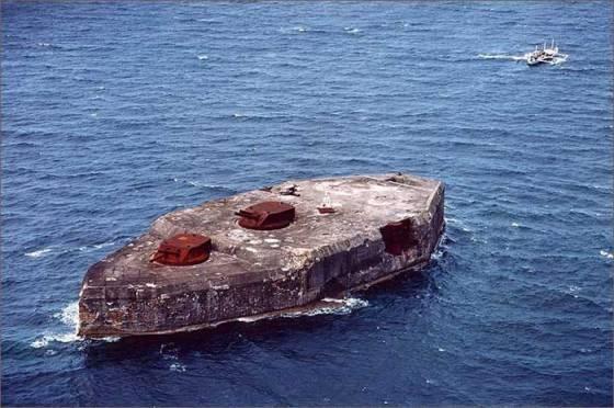 fort-drum-manila-filipinas