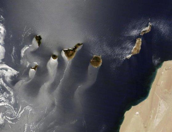 La imagen refleja la contaminación marítima de la zona de las Islas Canarias. Foto: El Mundo.es.