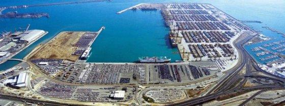 Puerto de Valencia, con su terminal de contenedores, que opera Marítima Valenciana (Marvalsa), del grupo DSPL. Foto: El Vigia.com