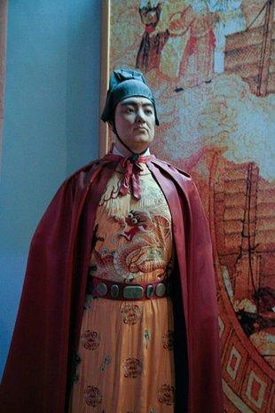 Segun el escritor Gavin Menzies, en 1421, Zheng He descubrió América 70 años antes que Colón (Wikimedia common …