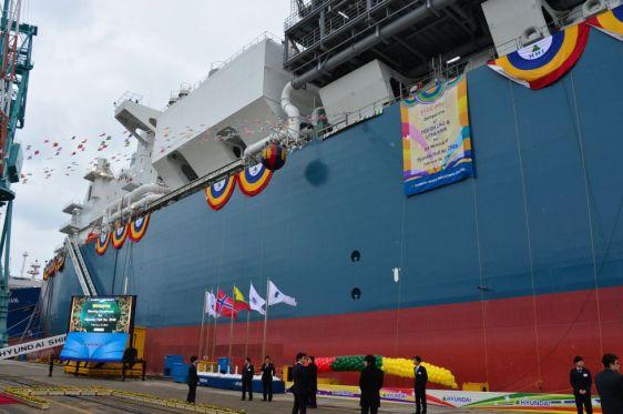 El buque 'Independence', que será clave en la seguridad energética de Lituania, en los astilleros de Corea del Sur donde fue construido. / Klaipedos Nafta