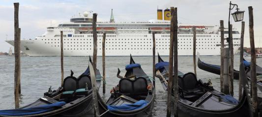 Un crucero entra en venecia (reuters)