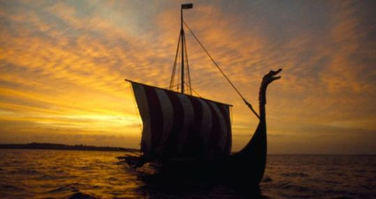 Un barco vikingo de la serie de History channel, 'Vikings'.