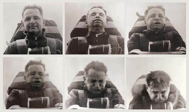 John Stapp, oficial del ejército estadounidense, durante un experimento en el que llegó a soportar una aceleración de 46,2 G