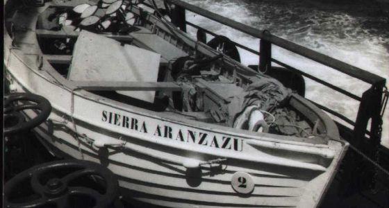 Bote de salvamento visto sobre la cubierta del PG Thulin.
