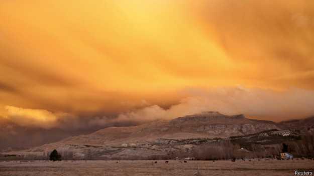 Los satélites rastrean las nubes de cenizas volcánicas, como las de Puyehue en Chile.