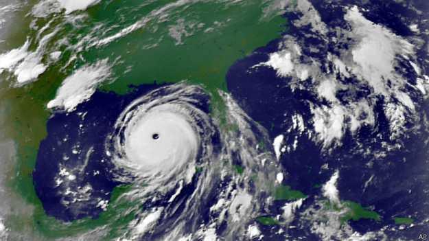 El huracán Katrina azotó a Estados Unidos en 2005 y causó gran destrucción en la costa del Golfo desde Florida hasta Texas.