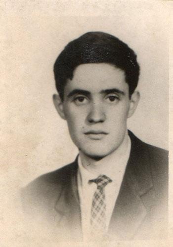 El tercer maquinista, José Vaquero Iglesias   El tercer maquinista, José Vaquero Iglesias, había nacido el 21 de junio de 1941 en Villablino (León). Era el segundo de seis hermanos y estaba soltero. Vivía en su localidad natal.   Es digno de destacar que el Gobierno cubano renunció al cobro de los gastos por salvamento y remolque del SIERRA ARÁNZAZU, además de indemnizar a sus tripulantes. Fuente: http://www.grijalvo.com/Manuel_Rodriguez_Aguilar/Sierra_Aranzazu.htm