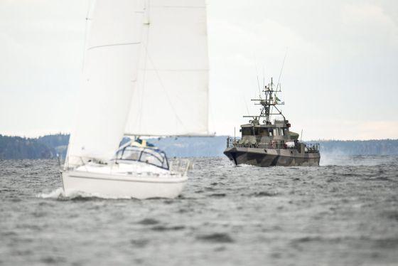 Buque patrulla sueco en el archipiélago de Estocolmo. / PONTUS LUNDAHL (EFE)
