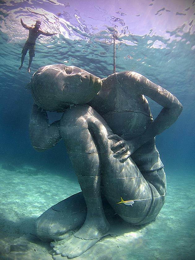 © underwatersculpture.com
