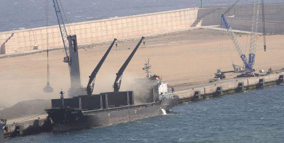 Ampliación del Puerto del Musel en Gijón. / Paco Paredes
