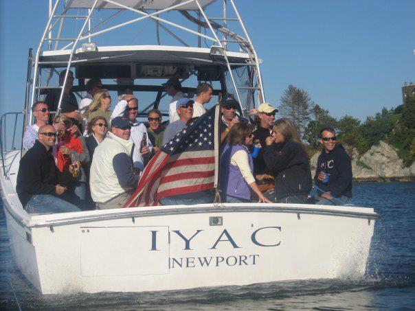 el IYAC está ubicado estratégicamente en uno de los puertos marineros oficiales del país.