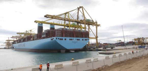La terminal ha acogido la escala del buque Morten Maersk, un portacontenedores con capacidad para 18.340 TEU de 400 metros de eslora y 60 de manga damián torres | 16 de enero de 2015 | 13:28