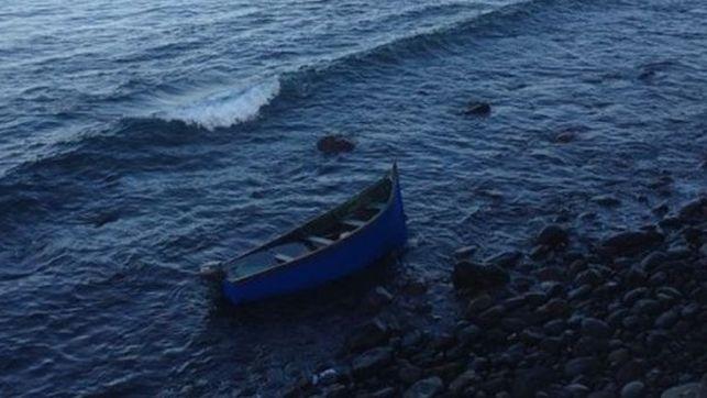 Imagen de archivo de  una embarcación - esto no es una patera ni de coña- (una patera. sic) que llegó a la isla de Gran Canaria con unas 50 personas.