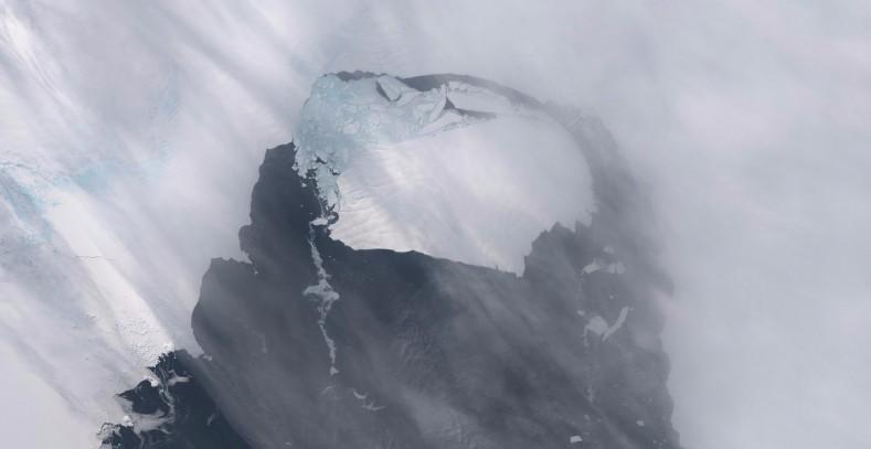 Iceberg desprendido en noviembre de 2013 del glaciar Pine Island en la Antártida - Foto NASA