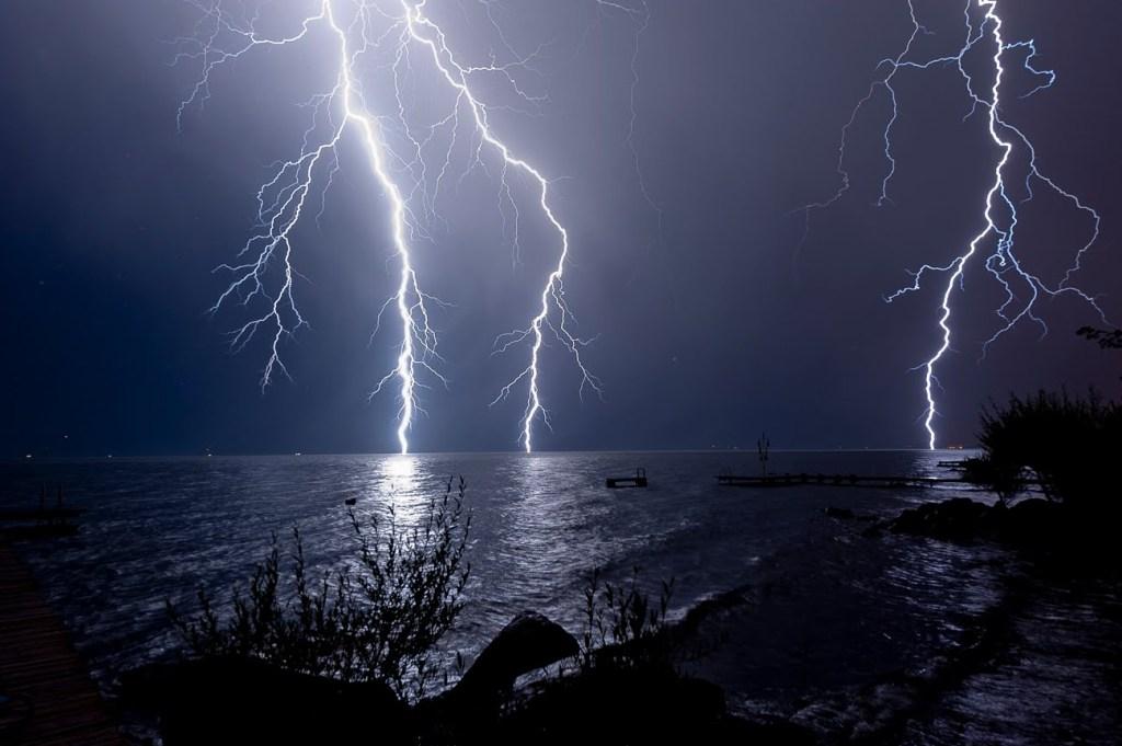Tormenta en la mar. Desde http://www.yachtcenter.com.ve