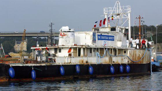 El buque del explorador Jacques Cousteau en una imagen de 2007. / FRED TANNEAU (AFP )