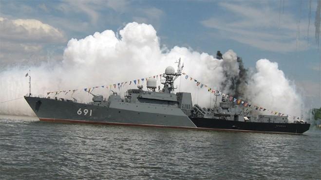 Fragata Tatartán del proyecto 11661, buque insignia de la Flotilla del Caspio rusa / wikipedia.org