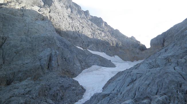 El helero de la Forcadona, en Picos de Europa.