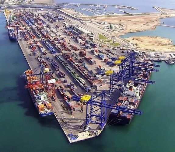 trafico-contenedores--575x500